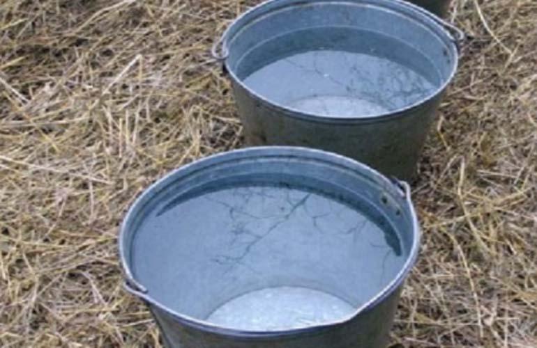 Ведра с водой для акцтивации приворота на деньги